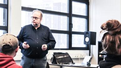 Bilde: Dagfinn Bjørgen foreleser