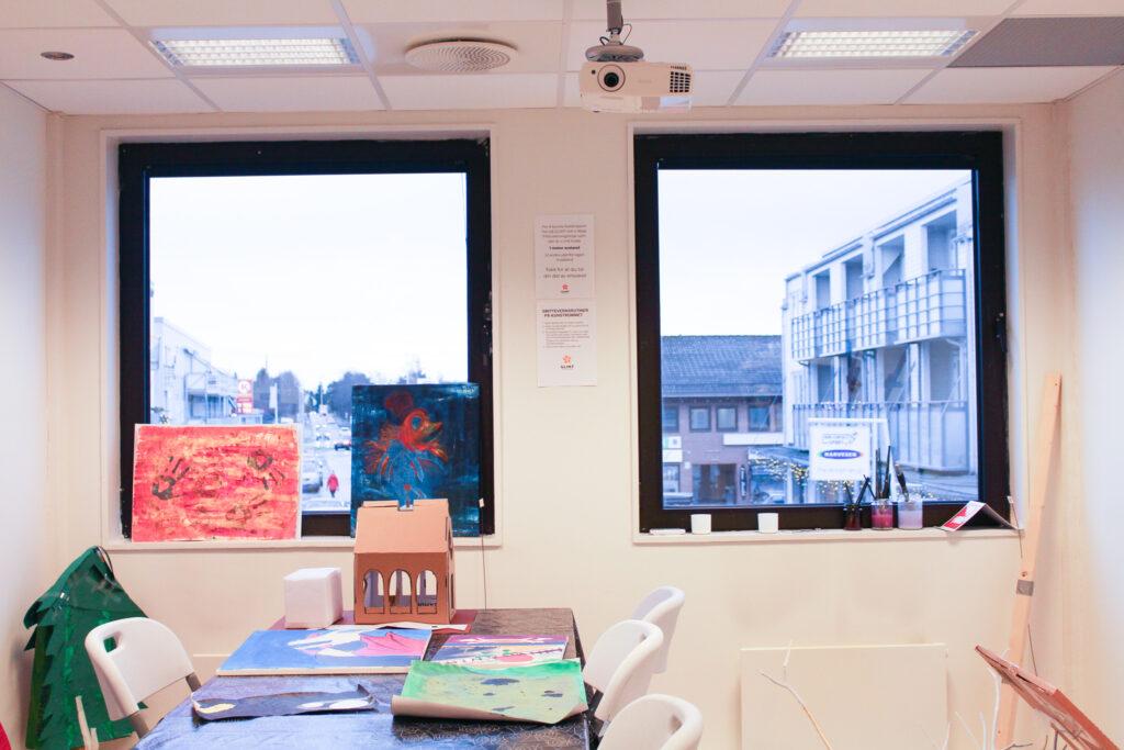 Bilde: kunstrommet på Glimt recoverysenter